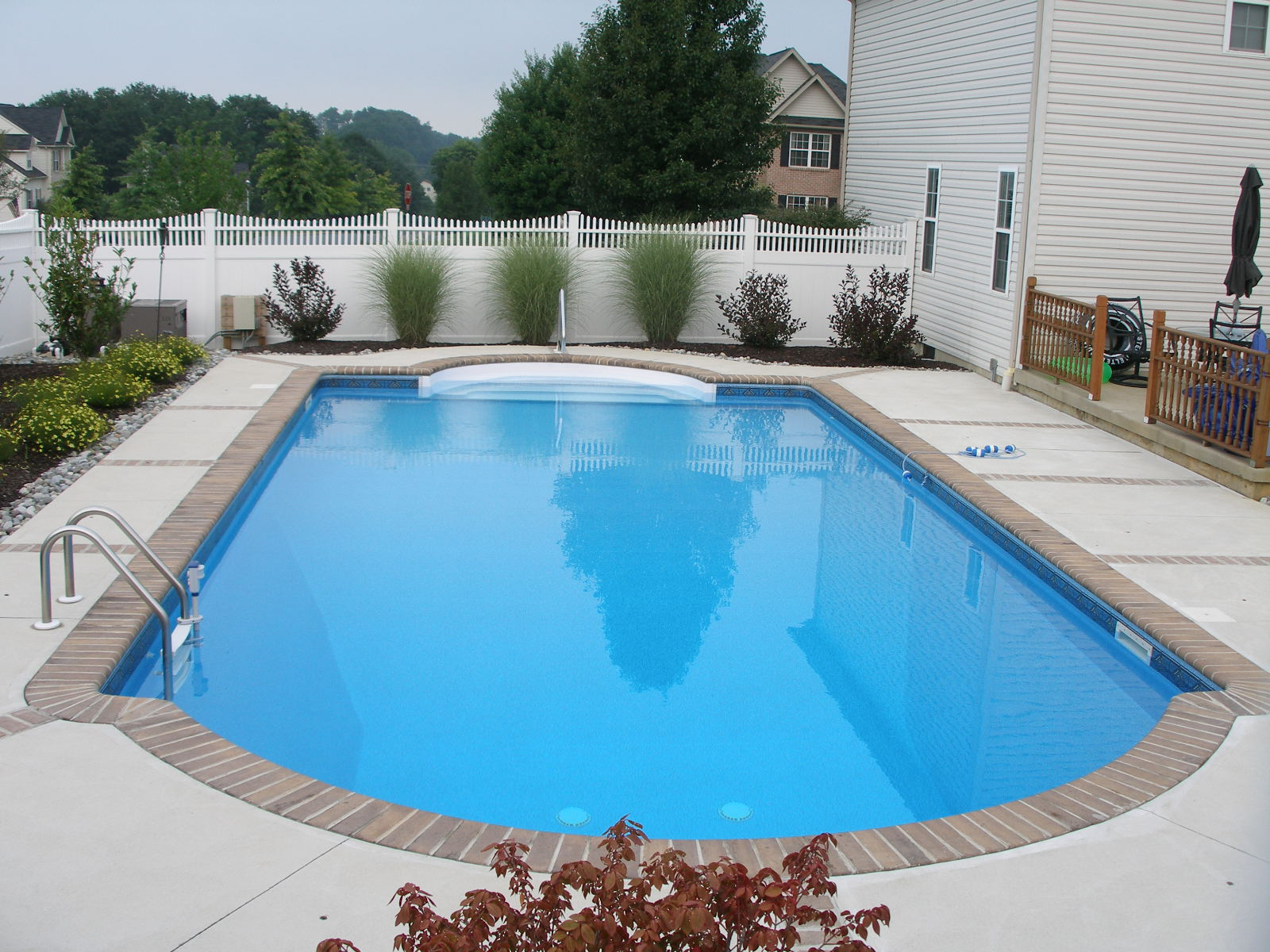 Pa inground pool service pool services fiberglass for Northeastern pool